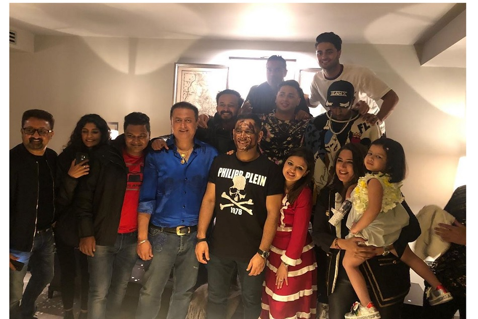 MS Dhoni celebreted his 38th birthday with family, hardik and kedar jadhav, Video