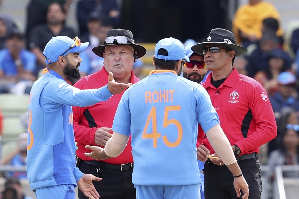 INDvsNZ: Virat took a review in very first bowl, will it cause concern for India