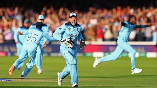 300 प्लस रन और फाइनल मैच का रिकॉर्ड-
