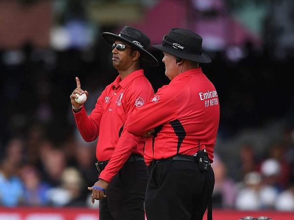 इंग्लैंड को 5 रन मिलने चाहिए थे