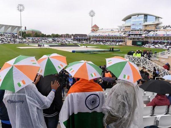 मैच के दिन हो सकती है बारिश