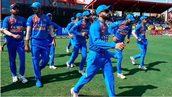 पहला विकेट और विजयी छक्का-