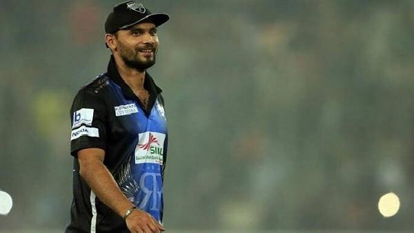 मुर्तजा के बाद दुनिया के दूसरे क्रिकेटर बने