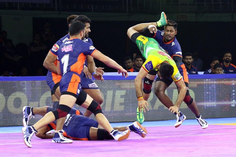 पटना पाइरेट्स को 35-26 से हराकर प्वाइंट टेबल में दूसरे स्थान पर पहुंचा बंगाल वॉरियर्स