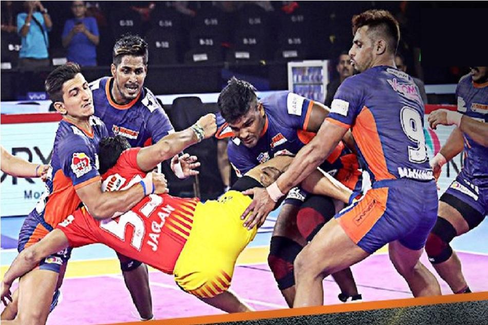 Pro Kabaddi 2019: Bengal Warriors beats Gujarat Fortunegiants first time