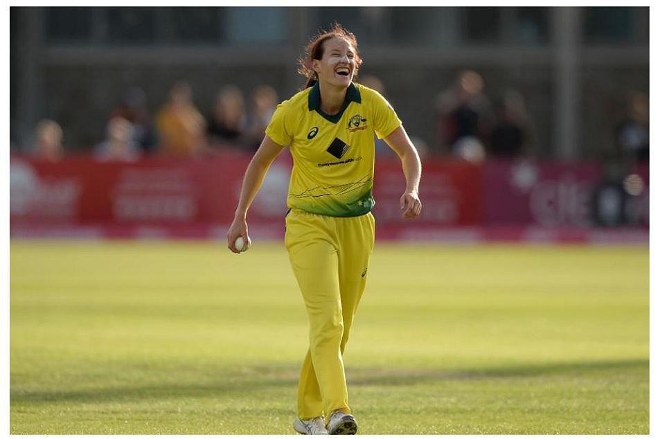 Megan Schutt Schutt claims history hat-trick in Australias ODI win