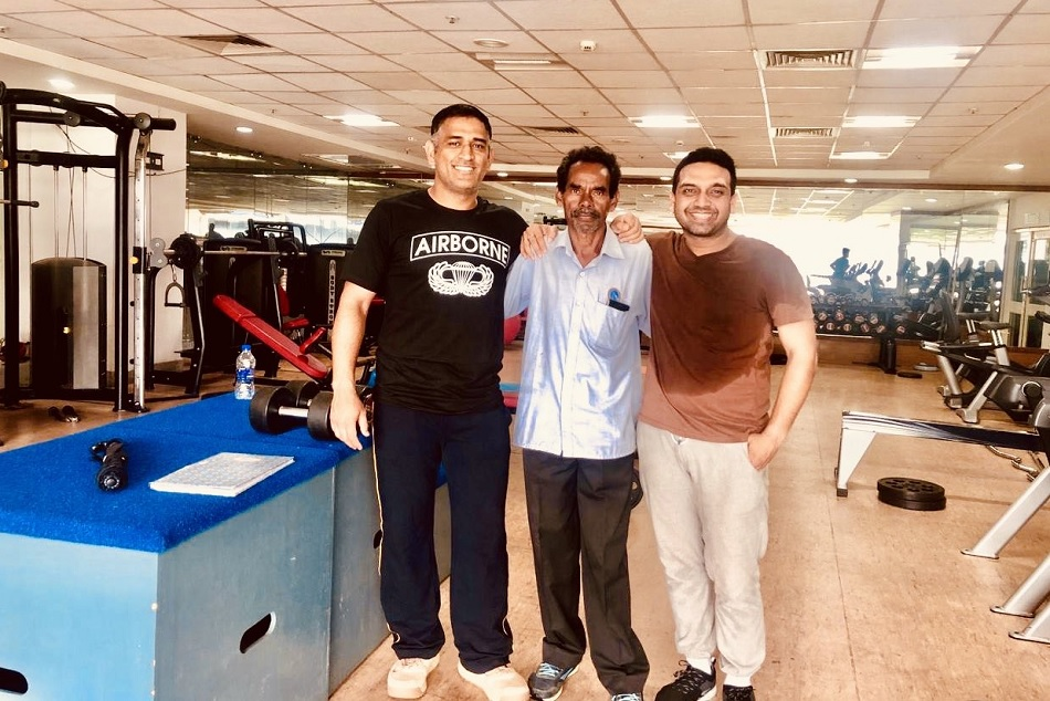 MS Dhoni is playing billiards with Jharkhands MLA at JSCA, see pictures