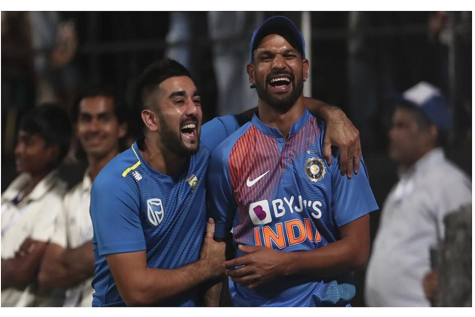 Tabraiz Shamsi reveals why he taking off his shoe after getting Shikhar Dhawan out