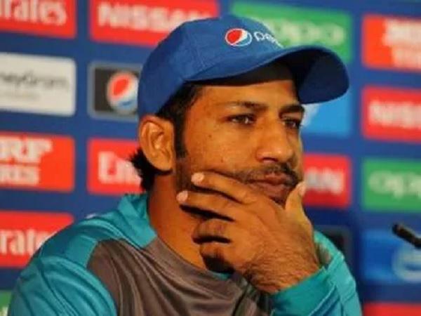 घर में 3-0 से हारा पाकिस्तान, सरफराज फिर निशाने पर