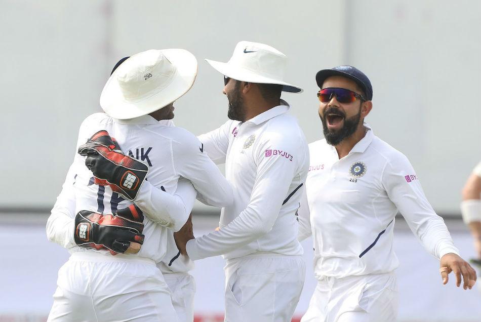 IND vs SA: भारत की ऐतिहासिक जीत पर कोहली के मुरीद हुए दिग्गज खिलाड़ी, सचिन-सहवाग ने ऐसे दी बधाई
