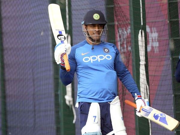 क्या धोनी की वापसी को लेकर टीम इंडिया तैयार है?