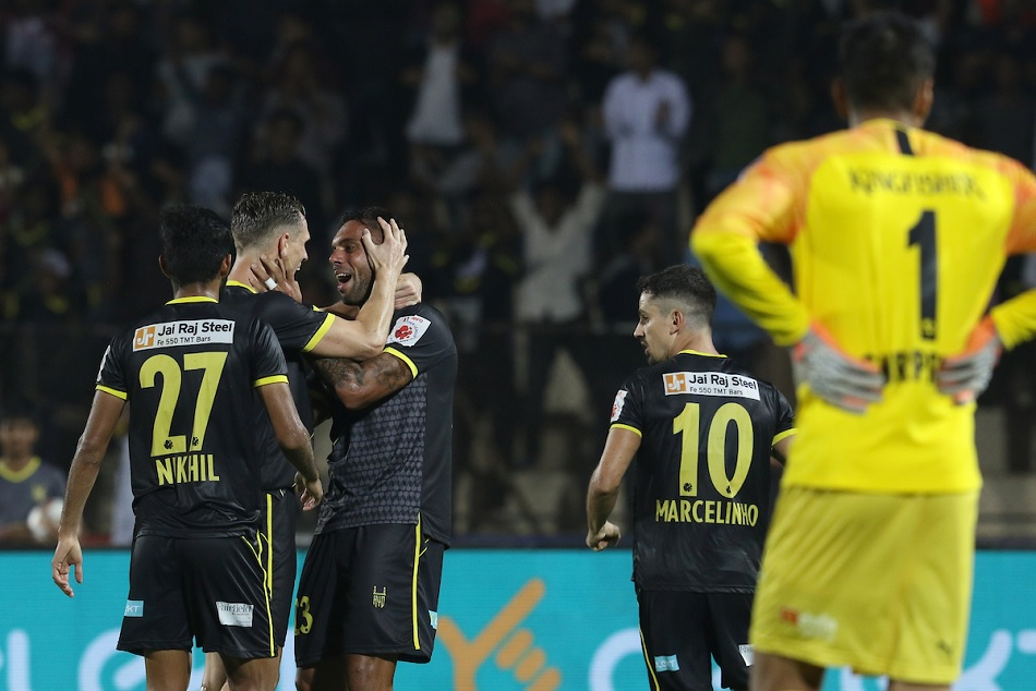 Robin Singh helped 10 man Hyderabad FC salvage a draw against Bengaluru FC