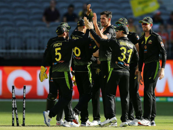 ऑस्ट्रेलियाई गेंदबाजी के सामने बेबस नजर आये पाकिस्तानी बल्लेबाज