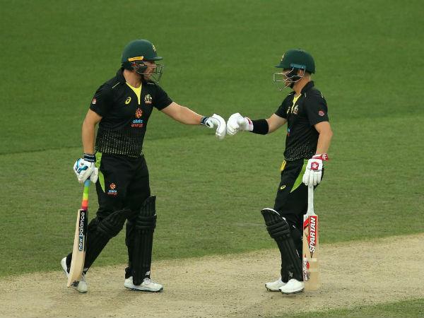 डेविड वॉर्नर-फिंच की जोड़ी ने सिर्फ 11 ओवर में निपटा दिया मैच