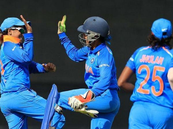 भारतीय स्पिनर्स के सामने वेस्टइंडीज ने टेके घुटने