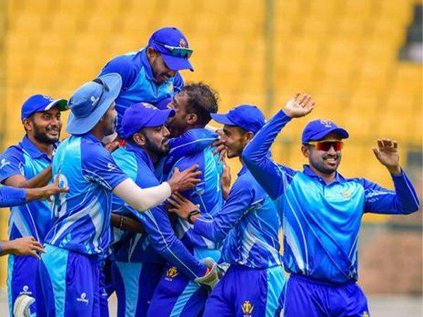 लगातार 2 खिताब जीतने वाली पहली टीम बनना चाहेगी कर्नाटक