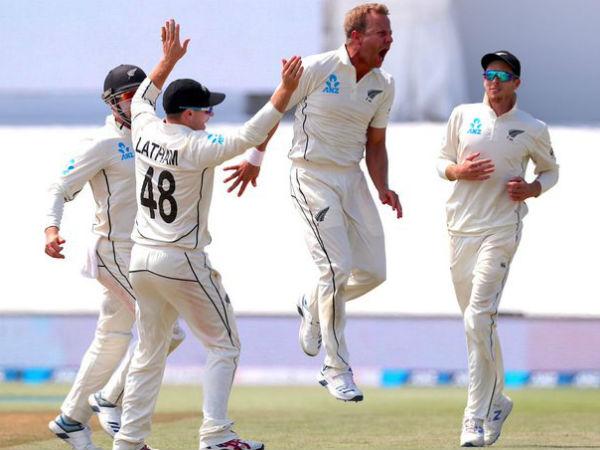 नील वेग्नर के पंजे में फंसी इंग्लैंड, पारी से दिलाई जीत