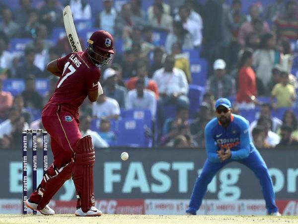 इस बार विकेट पर टिके विंडीज खिलाड़ी