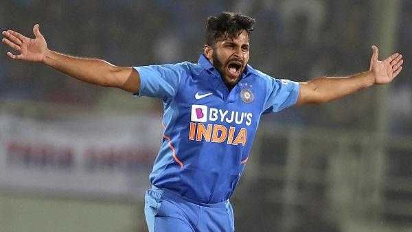 भारत की शानदार गेंदबाजी