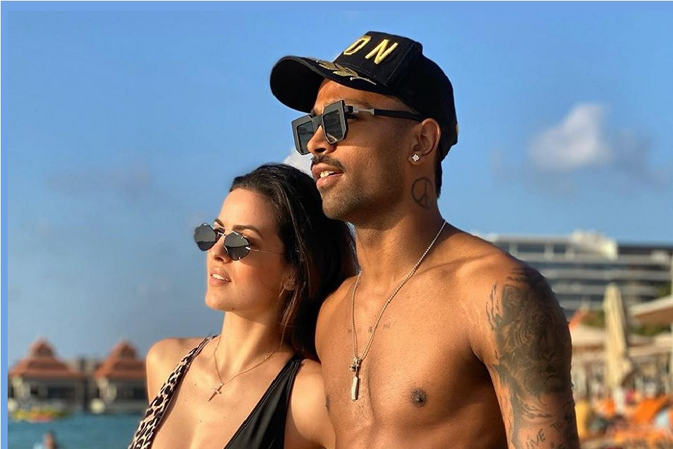 Natasha Stankovic shares a picture with Hardik pandya on Beach, showing the bold style of couple