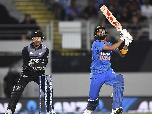 रनों की बौछार के बीच बना एक गेंदबाजी रिकॉर्ड