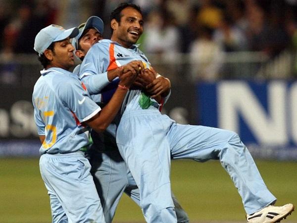 चोट के कारण हुए क्रिकेट से दूर