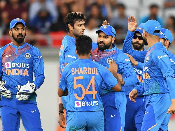 भारत को जीत के लिये 204 रनों की दरकार