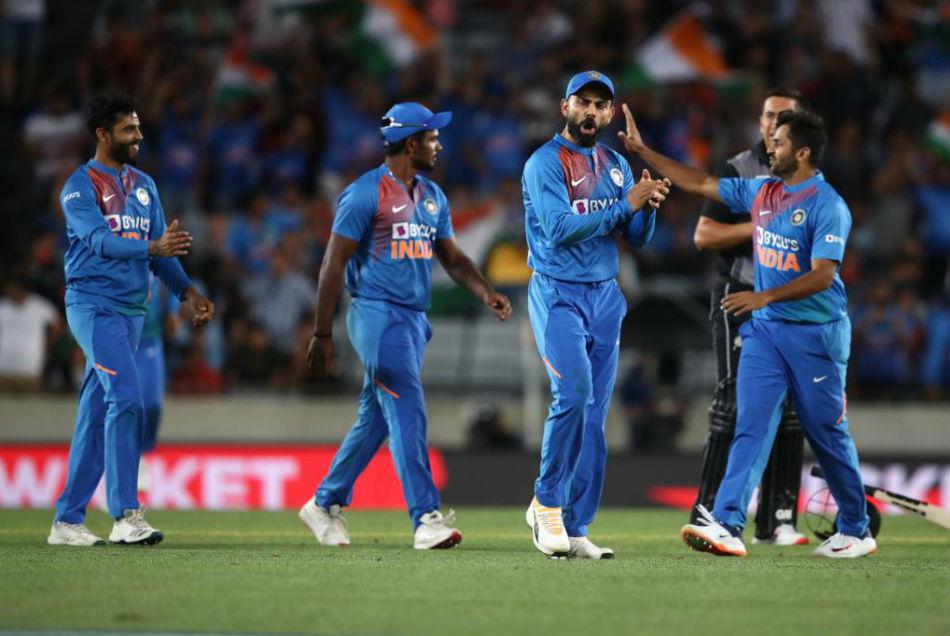 विराट कोहली ने टीम के गेंदबाजों के सिर पर बांधा जीत का सेहरा