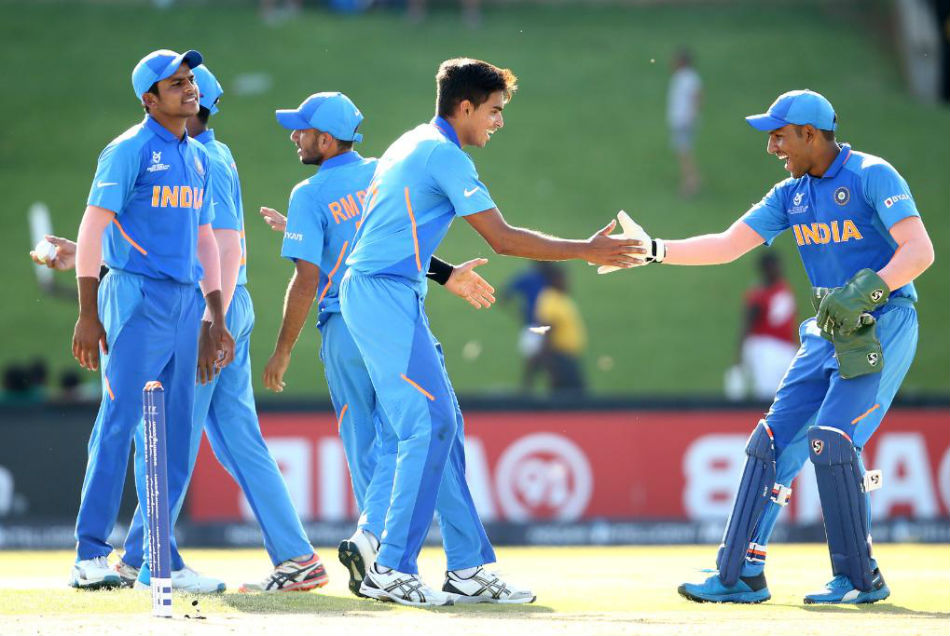 भारत को जीत के लिये गेंदबाजों पर दारोमदार