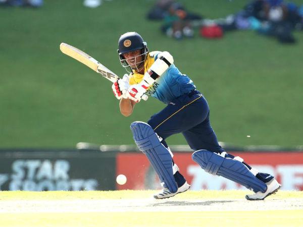 भारतीय गेंदबाजी के सामने बिखरी श्रीलंका