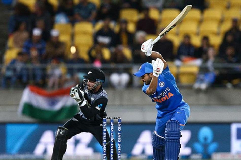 बल्लेबाजी में भारत ने की खराब शुरुआत