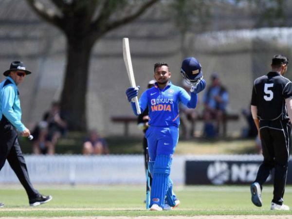 IND vs NZ: क्वींसलैंड में पृथ्वी शॉ ने की रनों की बारिश, 22 चौके, 2 छक्कों की मदद से ठोके 150 रन
