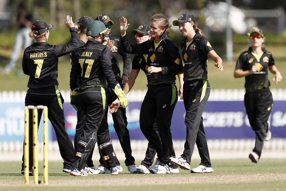 Australia beats India by 11 runs in Womens T20I Tri-Series Final, 2020