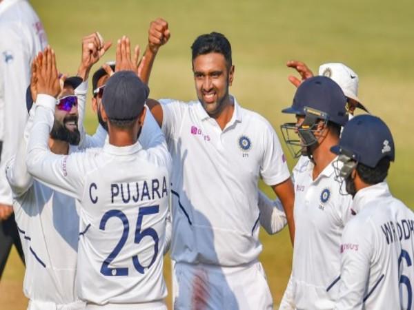 तीन मैचों की टेस्ट श्रृंखला