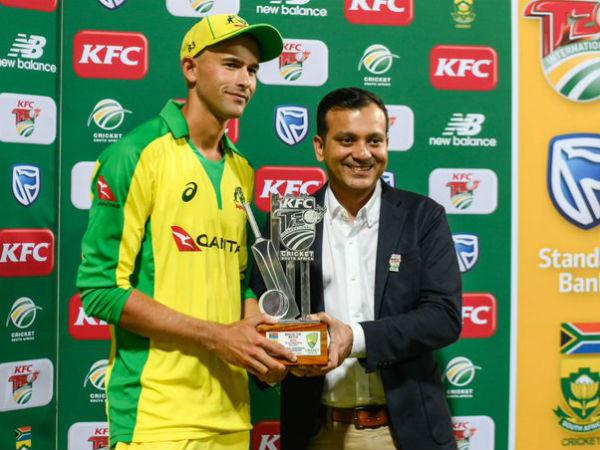 टी20 में सर्वश्रेष्ठ प्रदर्शन करने वाले गेंदबाज बने एश्टन एगर