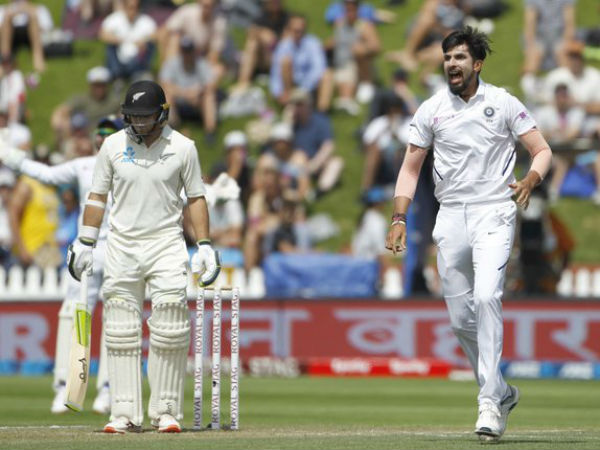 आखिरी सत्र में भारतीय टीम ने की वापसी