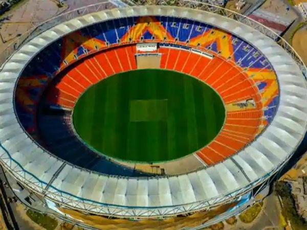 दुनिया के सबसे बड़े स्टेडियम में होगा भारत-इंग्लैंड पिंक बॉल टेस्ट