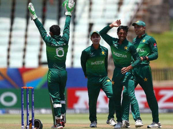 पाकिस्तानी गेंदबाजों के सामने ढेर हो गई अफगानिस्तान