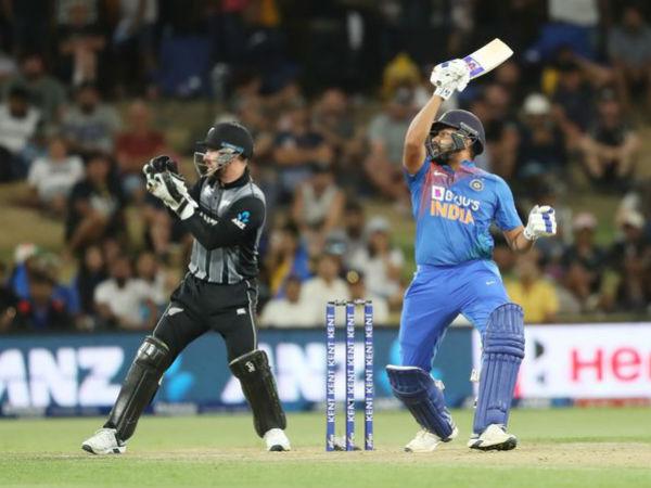 रोहित शर्मा ने खोला राज, बताया- क्या है क्रिकेट में डेब्यू करने की सही उम्र
