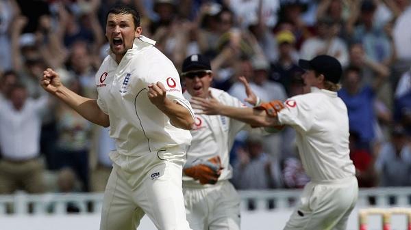 हिट विकेट आउट हुए थे वार्न, 2 रन से जीता इंग्लैंड-