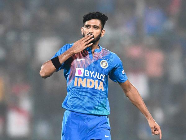 खलील अहमद ने बताया क्यों बनें गेंदबाज, बचपन में झूठ बोलकर खेलने जाते थे क्रिकेट