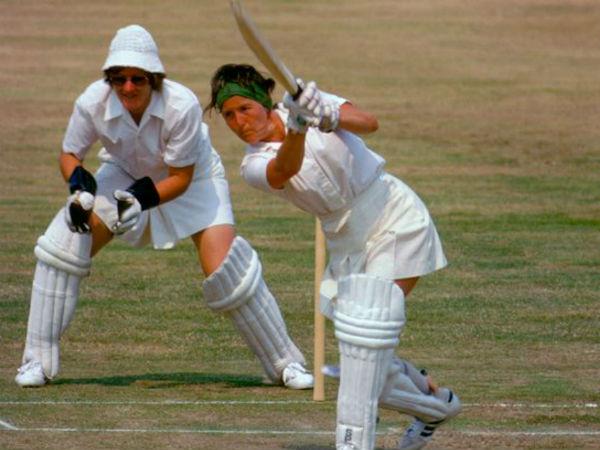 महिला क्रिकेट में सबसे पहला छक्का फ्लिंट के नाम