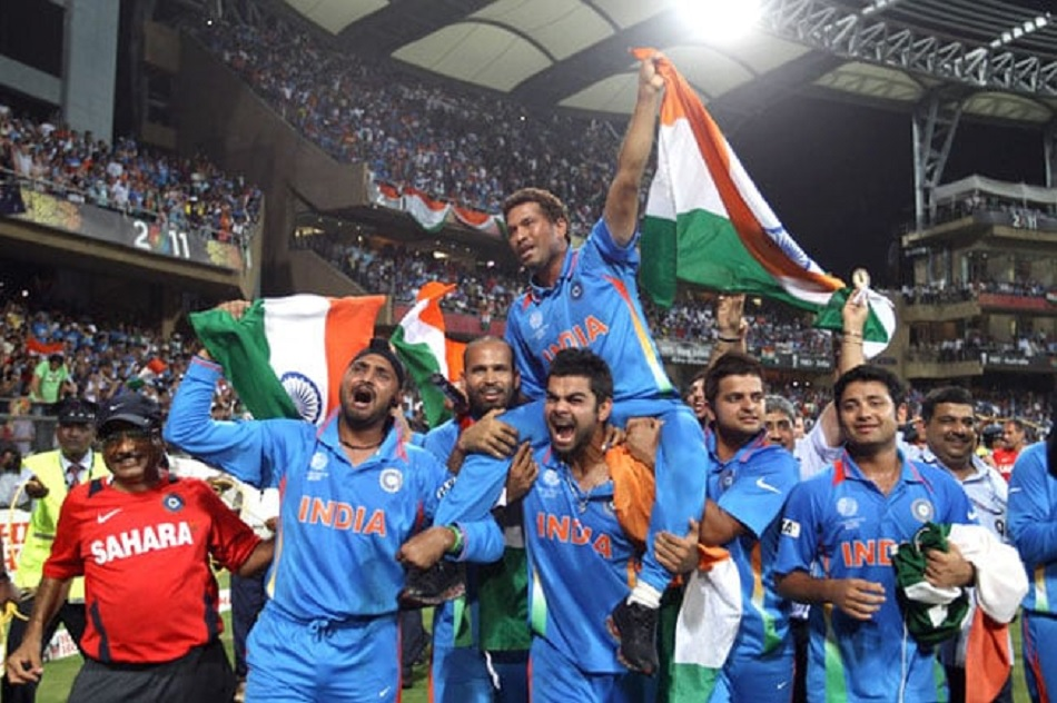 Virat Kohli reveals why he put Sachin Tendulkar on his shoulder after 2011 world cup win