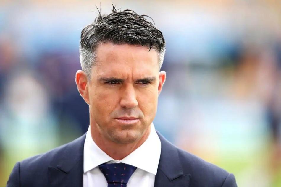 Kevin Pietersen twitter acount is locked after he threaten TV presentator Piers Morgan