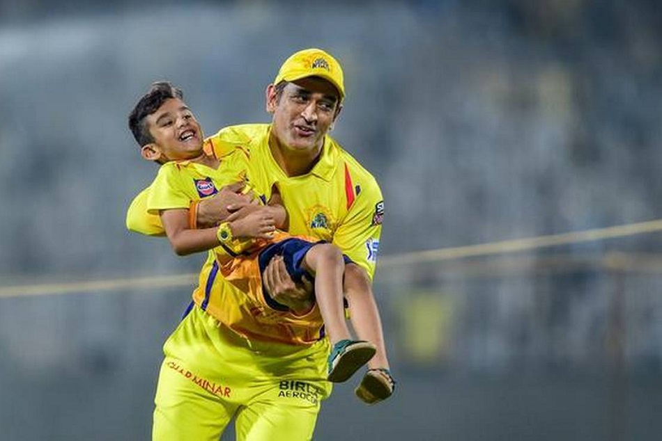 पूर्व दिग्गज क्रिकेटर का बयान- अगले 10 साल तक IPL में खेल सकते हैं धोनी