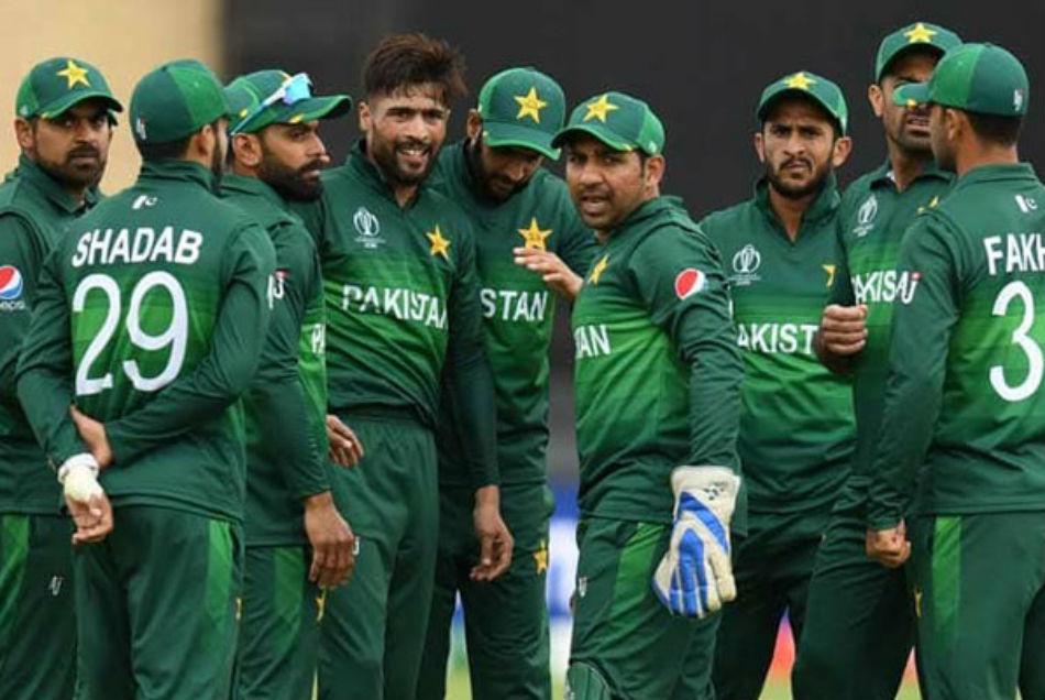 पाकिस्तान की 20 सदस्यीय टीम