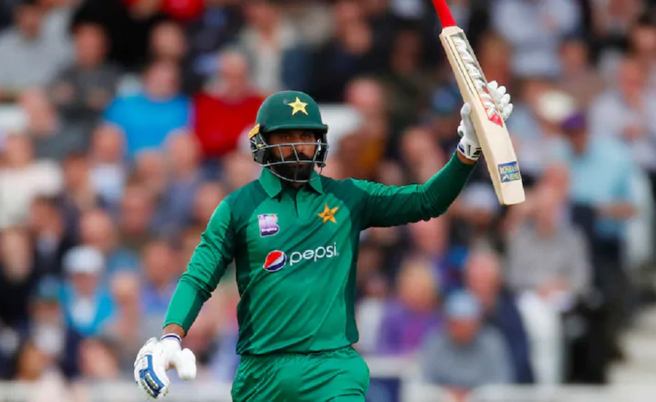 Mohammad Hafeez rejoins Paksitan team after negative Covid-19 test