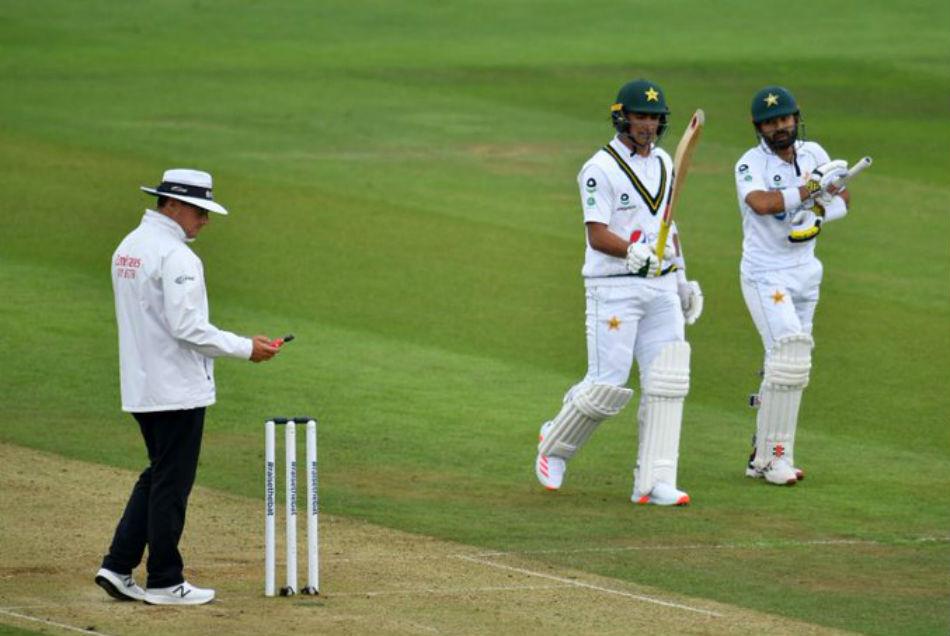 ENG vs PAK,2nd Test: रिजवान के अर्धशतक ने बचाई पाकिस्तान की इज्जत, खराब रोशनी से रुका मैच