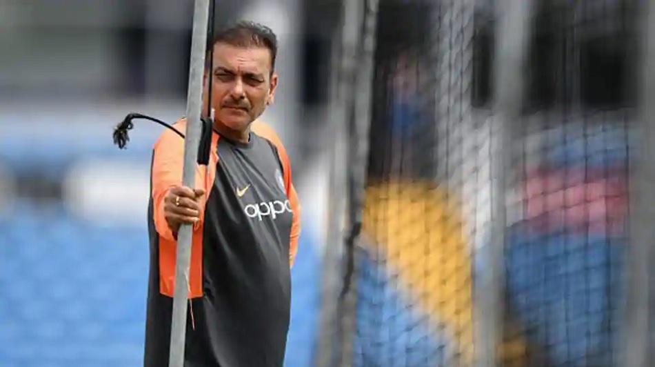 'IPL 2020 की बेस्ट परफॉरमेंस'- RCB के इस गेंदबाज के लिए रवि शास्त्री ने कही ये बात