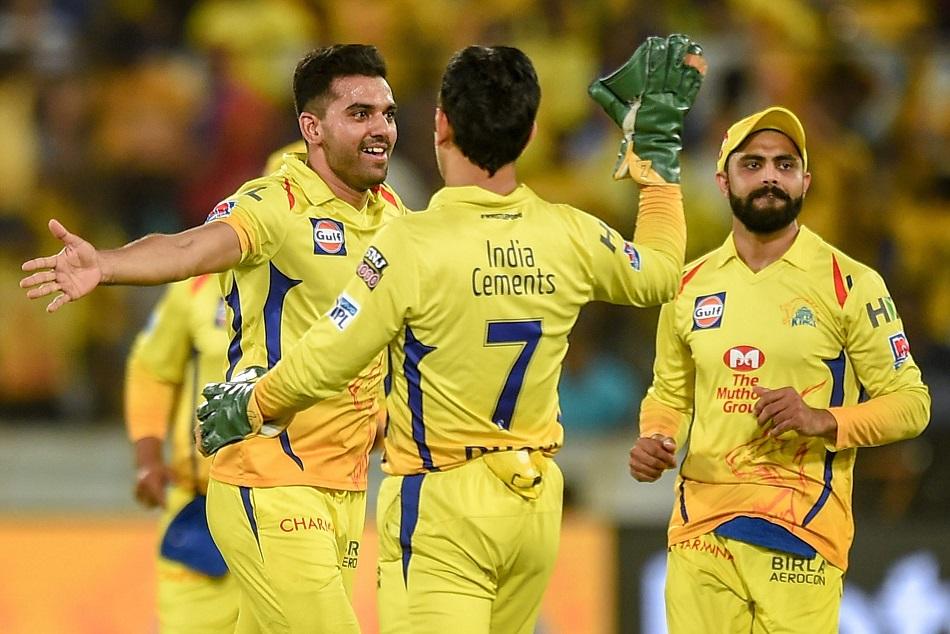 IPL 2020: मुंबई के खिलाफ मैच से पहले CSK ने धोनी, जडेजा समेत कई खिलाड़ियों को दिया अवॉर्ड
